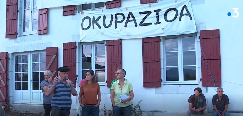 Vente cassée à Arbonne : VICTOIRE de l' occupation!
